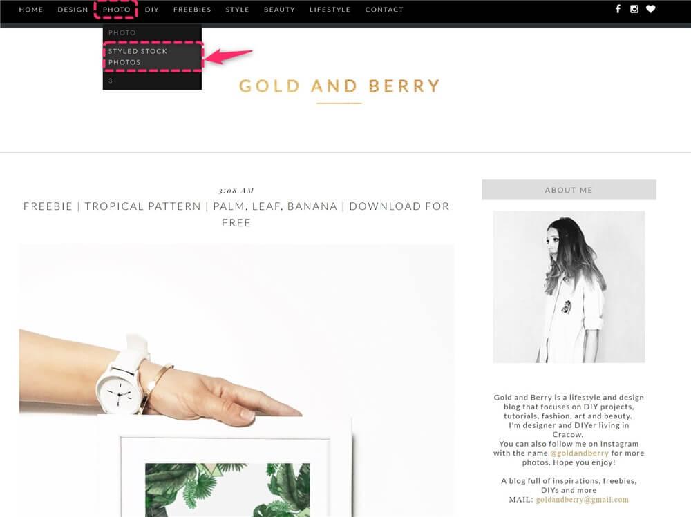 海外のフリー素材がダウンロードできるサイト。Gold and Berry